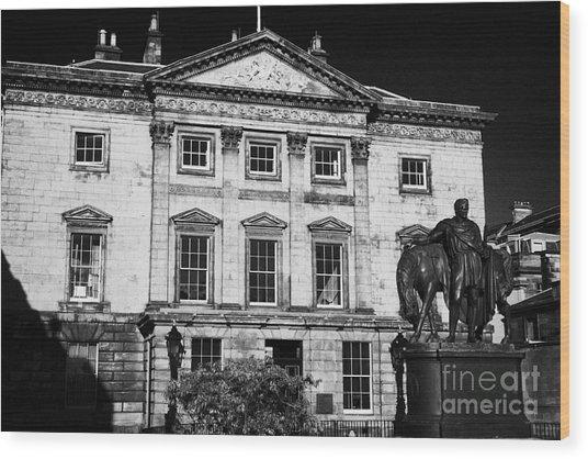 The Royal Bank Of Scotland Edinburgh Scotland Uk United Kingdom Wood Print by Joe Fox