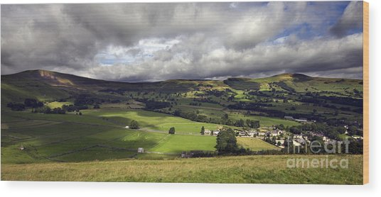 The Hope Valley Derbyshire Wood Print by Darren Burroughs