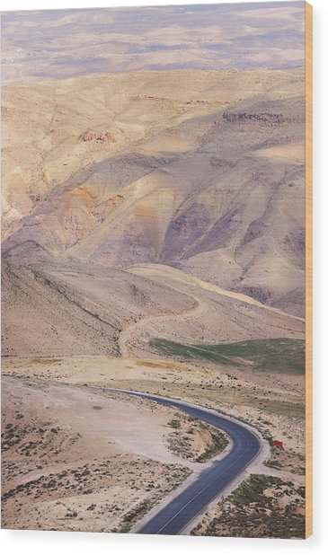 A Bend In A Desert Road Near Mount Nebo Wood Print by Martin Child