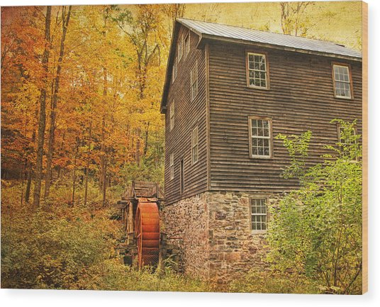 Autumn At Millbrook 4 - The Grist Mill Wood Print