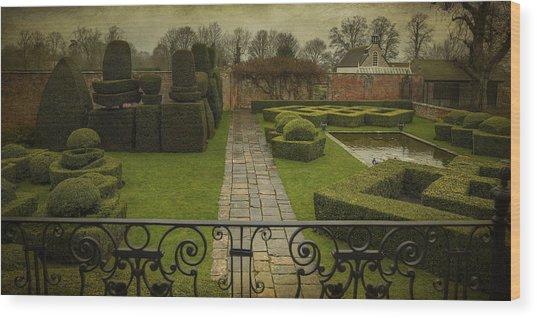 Avebury Manor Topiary Wood Print