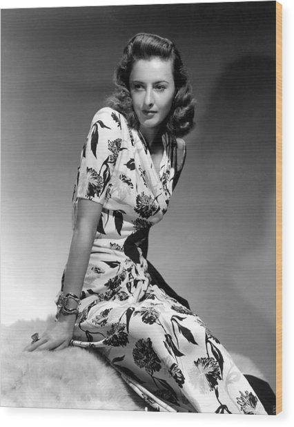 Barbara Stanwyck By Hurrell, 1940 Wood Print by Everett