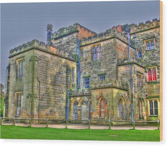 Baronial Home Wood Print by Rod Jones