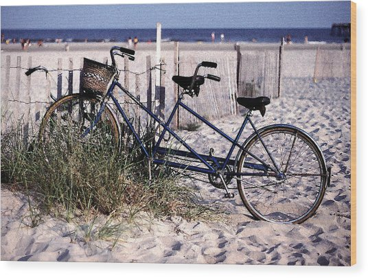 Bicycle Built For Two On A Beach Wood Print by Ercole Gaudioso