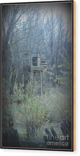 Bird's Haven In The Fall Wood Print