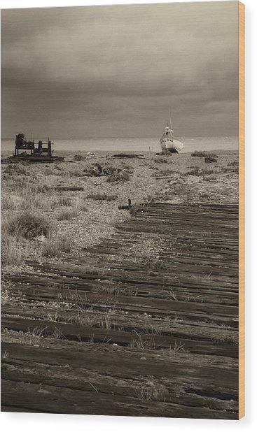 Boardwalk At Dungeness Wood Print by David Turner