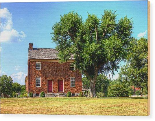 Bowen Plantation House Wood Print by Barry Jones