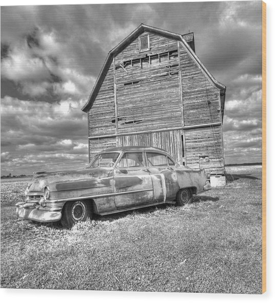 Bw - Rusty Old Cadillac Wood Print
