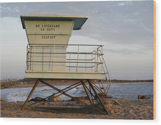 California Lifeguard Tower Wood Print by Maureen Bates
