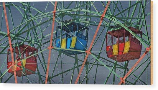 Cars Of Coney Island's Wonder Wheel Wood Print by Ercole Gaudioso