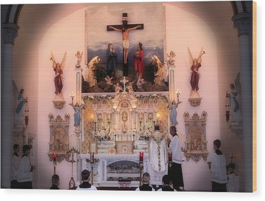 Catholic Mass Wood Print by Myrna Migala