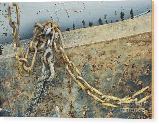 Chain Over Ship's Side Wood Print