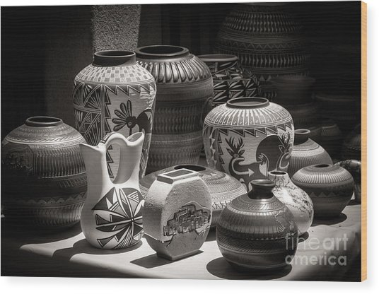 Clay Pots Black And White Wood Print