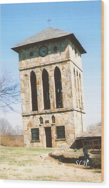 Clock Tower At Chinqua-penn Wood Print