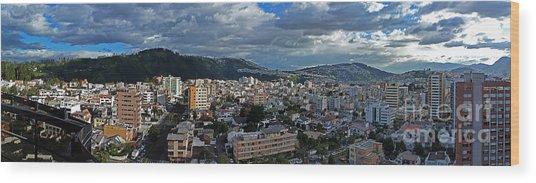 Close Of Business - Quito - Ecuador Wood Print