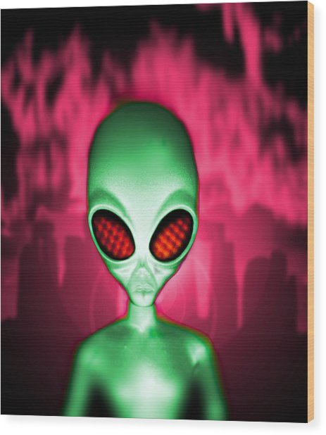 Computer Artwork Of An Alien Or Extraterrestrial Wood Print by Victor Habbick Visions