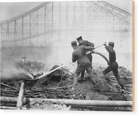 Coney Island, The Dreamland Fire, Men Wood Print by Everett