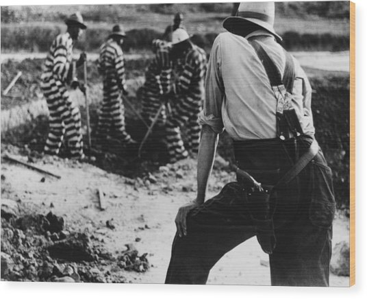 Convict Chain Gang And Prison Guard Wood Print by Everett