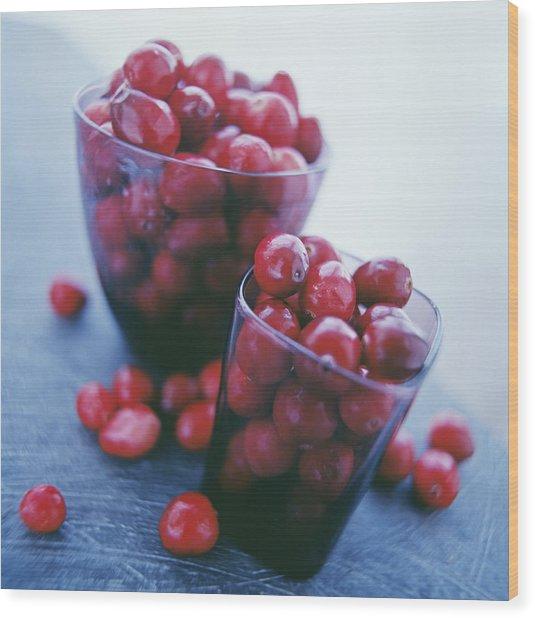 Cranberries Wood Print by David Munns