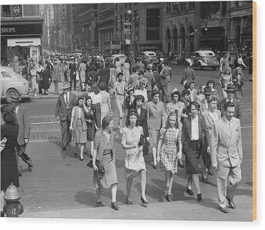 Crowd On 42nd St And 5th Avenue, Nyc Circa 1940s Wood Print by George Marks