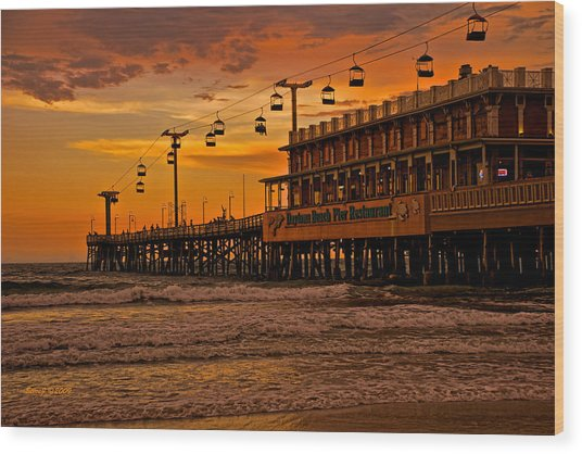 Daytona Beach Pier At Sunset Wood Print