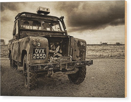 Decaying Landrover At Dungeness Wood Print by David Turner