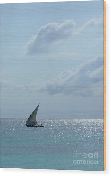 Dhow Wood Print by Alan Clifford