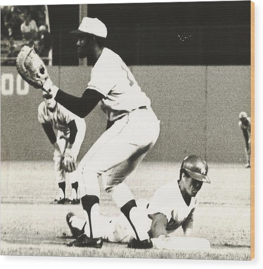 Dodger Maury Wills Diving Back To First Wood Print