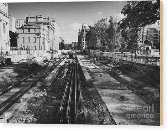 Edinburghs New Tram System Under Construction In St Andrews Square Scotland Uk United Kingdom Wood Print by Joe Fox