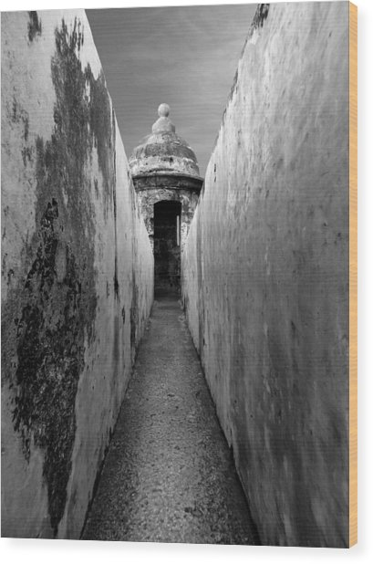 El Morro In Black And White Wood Print