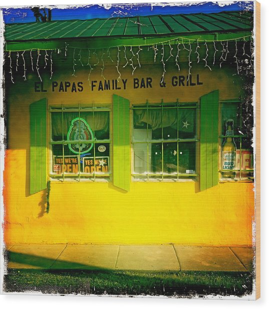 El Papas Family Bar And Grill Wood Print