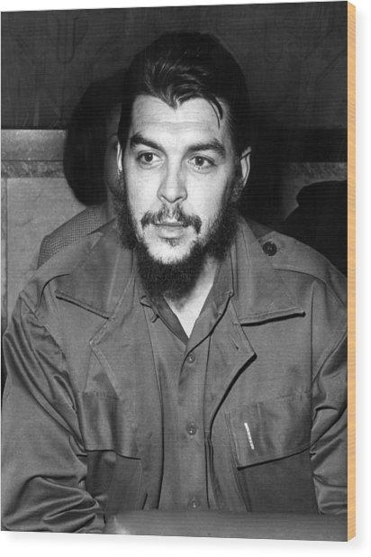 Ernesto Che Guevara Steps Off A Plane Wood Print by Everett