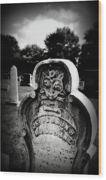 Face In The Grave Wood Print