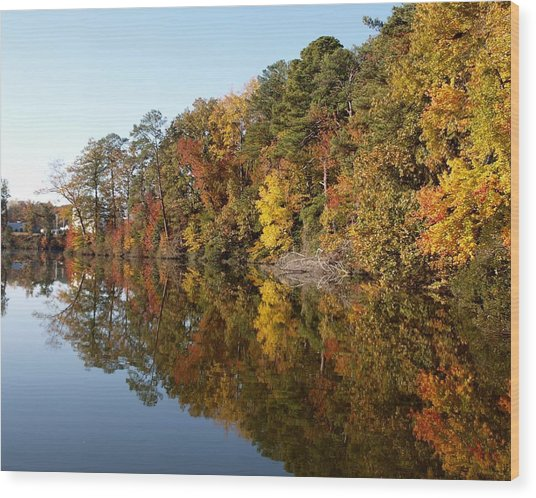 Fall Reflections Wood Print by Larry Krussel