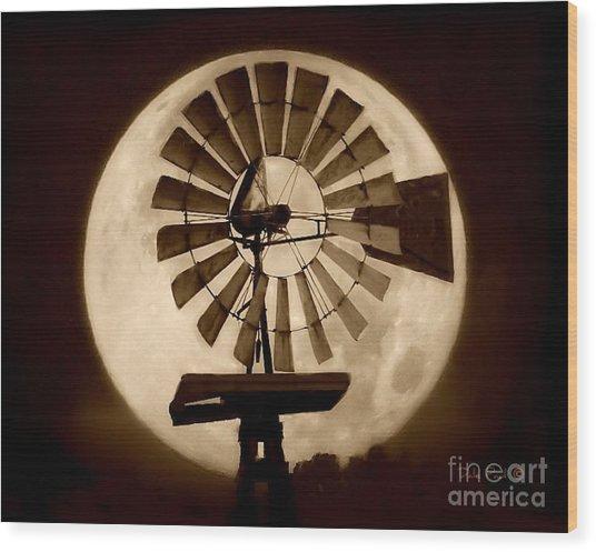 Fan In The Moon Wood Print