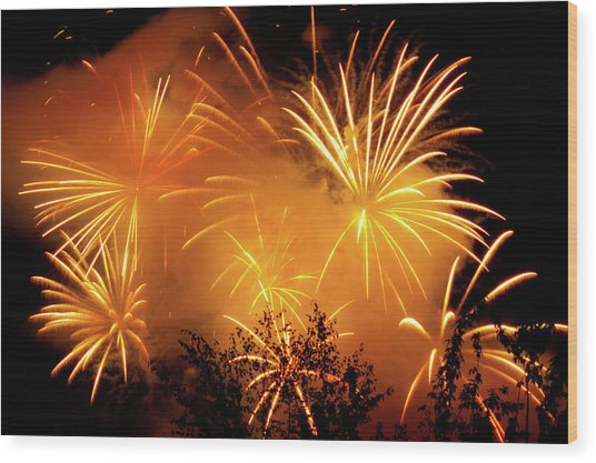 Fireworks Finale Wood Print by Stanley French