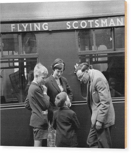 Flying Scotsman Wood Print by John Drysdale