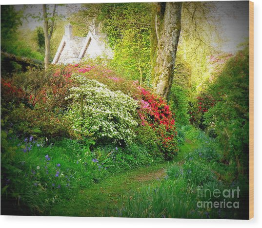 Gardens Of The Old Rectory Wood Print