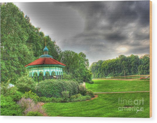 Gazebo At Eden Park Wood Print