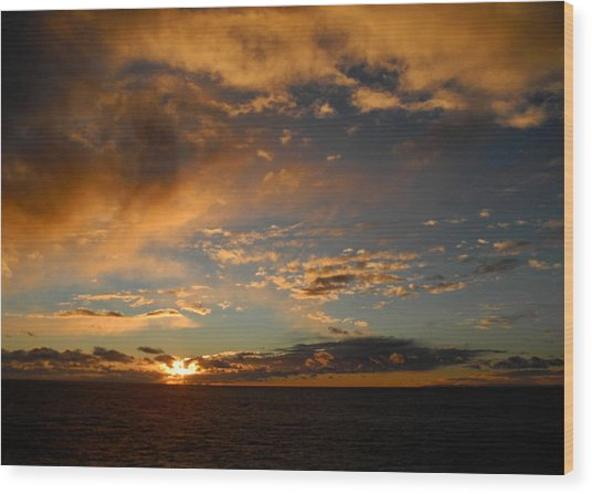 Glorious Sunrise On The Indian Ocean Wood Print