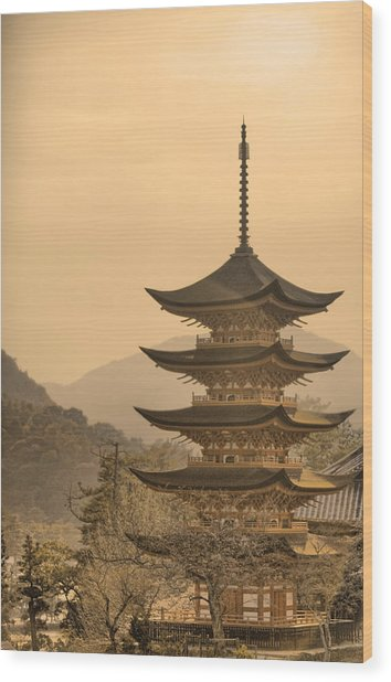 Goju-no-to Pagoda Wood Print by Karen Walzer