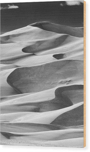 Great Sand Dunes Black And White Wood Print