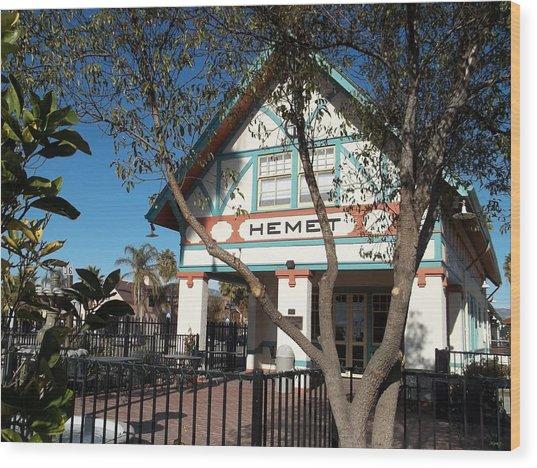 Hemet Museum-old Santa Fe Depot Wood Print