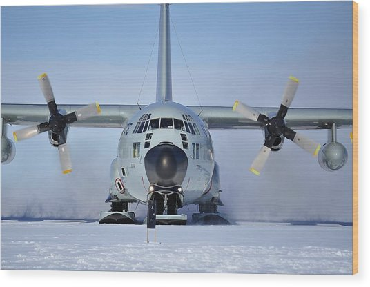 Hercules Lc130h Wood Print by David Barringhaus