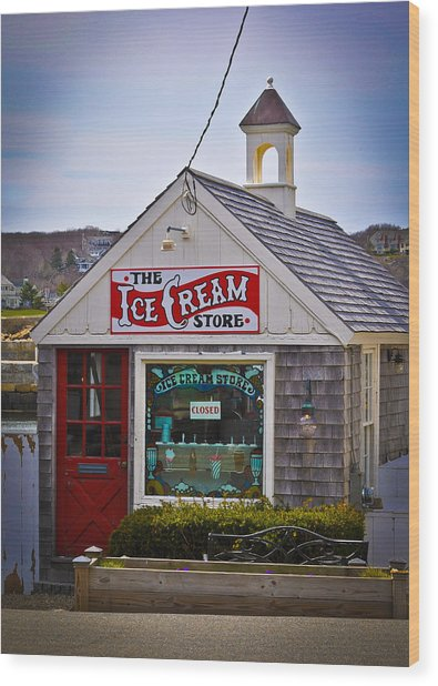 Historic Rockport Center Wood Print by Erica McLellan