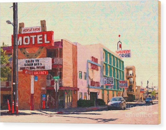 Horse Shoe Motel Wood Print by Wingsdomain Art and Photography