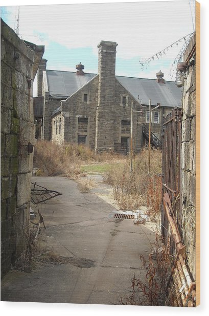House Beyond The Gate Wood Print
