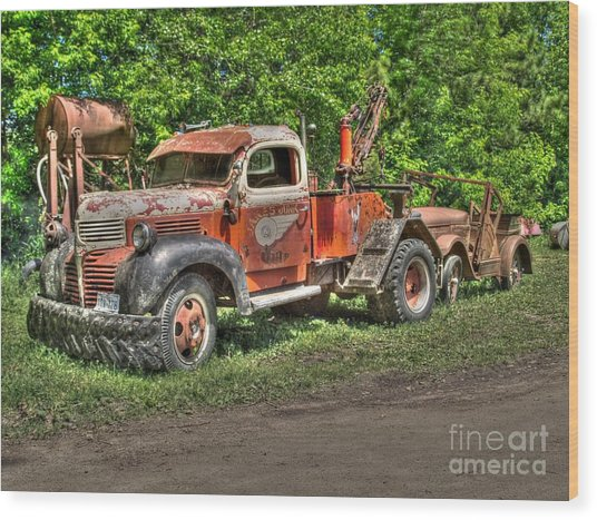 In Tow Wood Print by Jimmy Ostgard