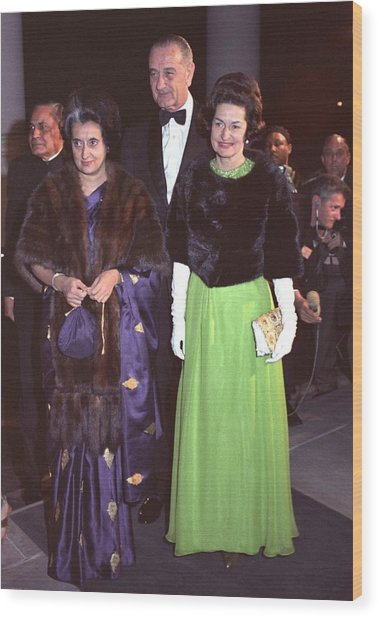Indira Gandhi With President And Lady Wood Print by Everett