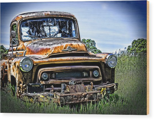 International Truck Alone And Rusting Wood Print